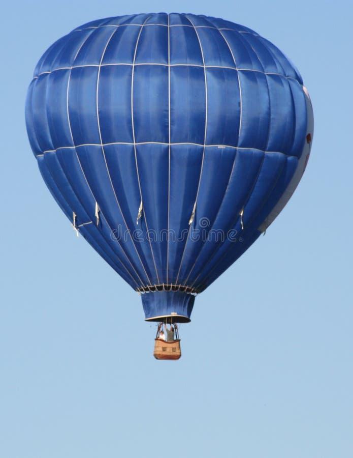 从圣路易斯Mo气球种族的美丽的蓝色气球 免版税库存照片