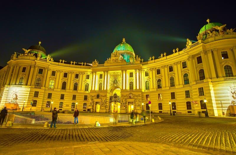 从圣迈克尔广场的霍夫堡皇宫在维也纳,奥地利 免版税库存图片