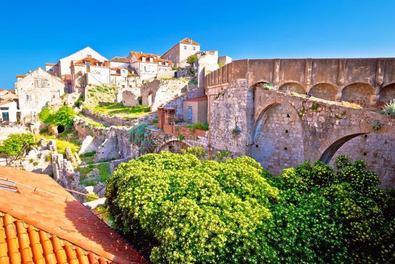 从城市墙壁的Histroic杜布罗夫尼克老镇视图 库存图片