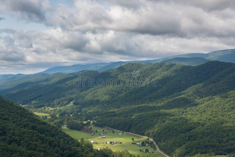 从塞内卡岩石的看法在西维吉尼亚 免版税图库摄影