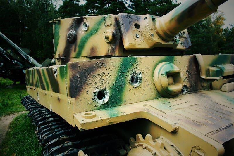 从子弹的踪影在坦克 免版税库存照片