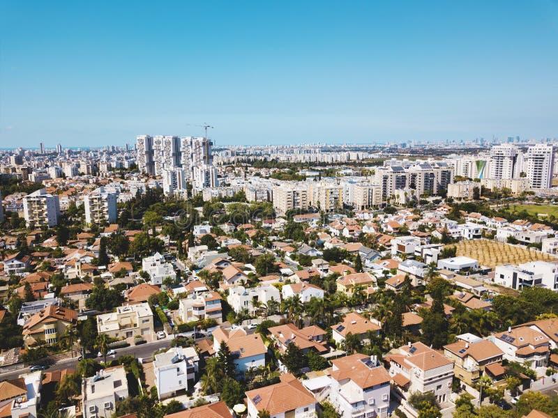 从寄生虫的鸟瞰图射击了里雄莱锡安,以色列 免版税库存图片