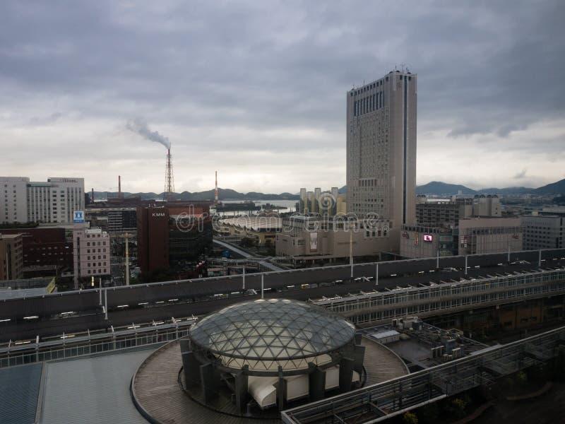从小仓驻地大厦的看法在北九州,日本 库存照片
