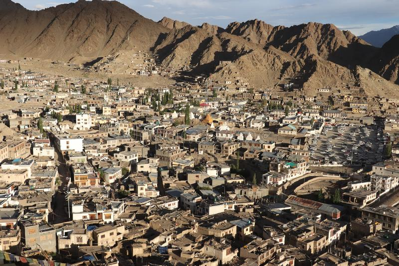 从小山的顶端看法 图库摄影