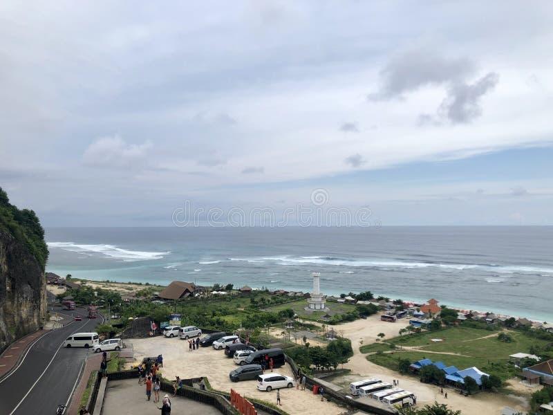 从小山的顶端看的海看法 库存图片