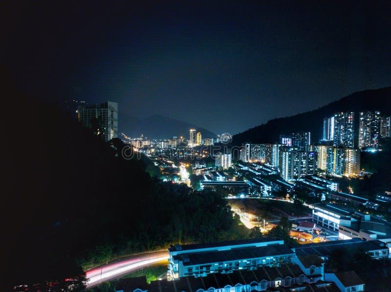 从小山顶的城市视图 库存图片