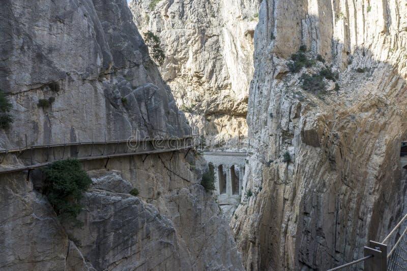 从山供徒步旅行的小道Caminito del Rey的看法 chorro el P 库存图片