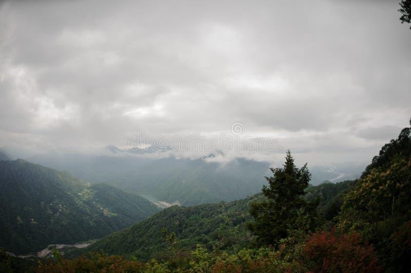 从山高上面的巨大看法  免版税库存照片