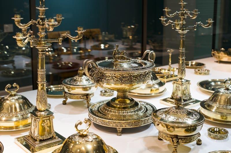 从巴法力亚国王收藏的陶器和利器集合在博物馆residenz慕尼黑王宫, 库存照片