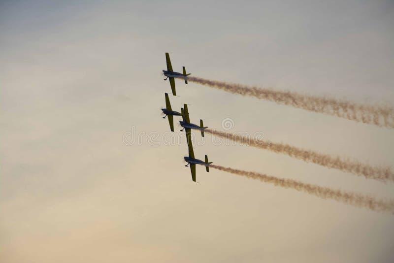 从布加勒斯特国际飞行表演的飞机 免版税库存图片