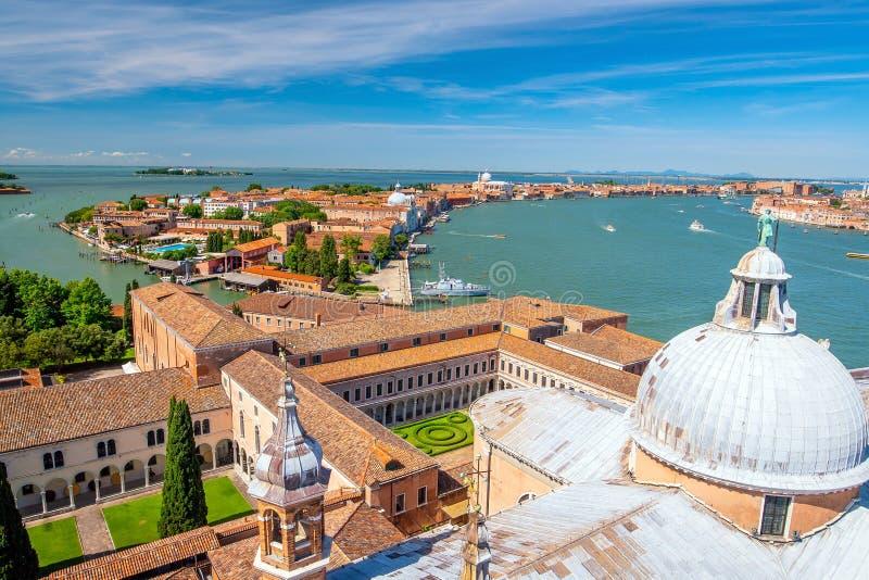 从意大利的高处看威尼斯的城市景观 图库摄影