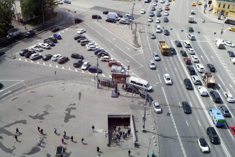 从摩天大楼的看法Ilyicha广场区域的  库存图片