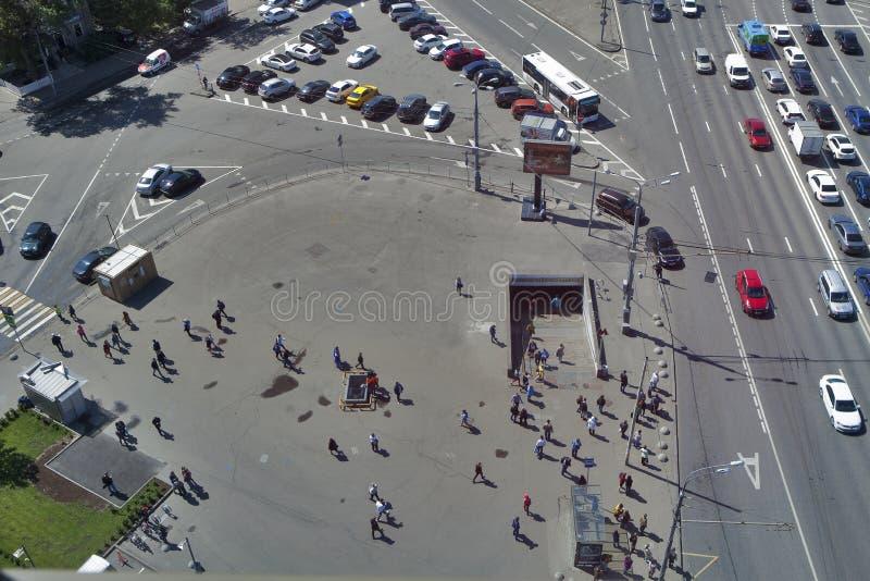 从摩天大楼的看法Ilyicha广场区域的  库存照片