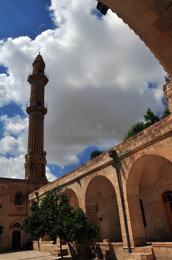 从曲拱的看法到清真寺的尖塔在市马尔丁 库存照片