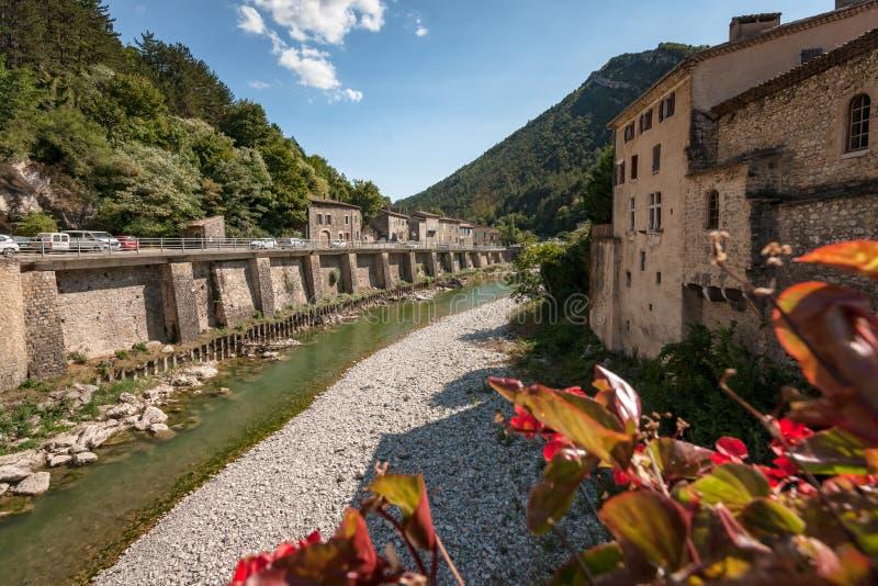 从桥梁的看法在山河`在Frenc的梦想` 免版税库存图片