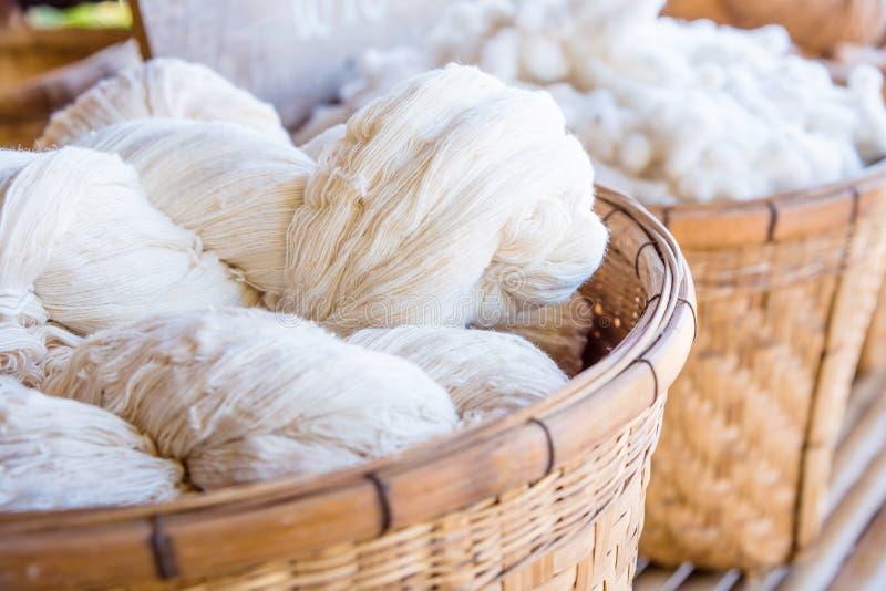从棉花花的手工制造毛线 库存照片