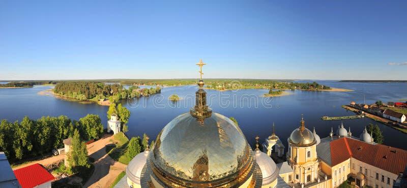 从正统修道院的全景- Nilova pustyn,俄罗斯 库存照片