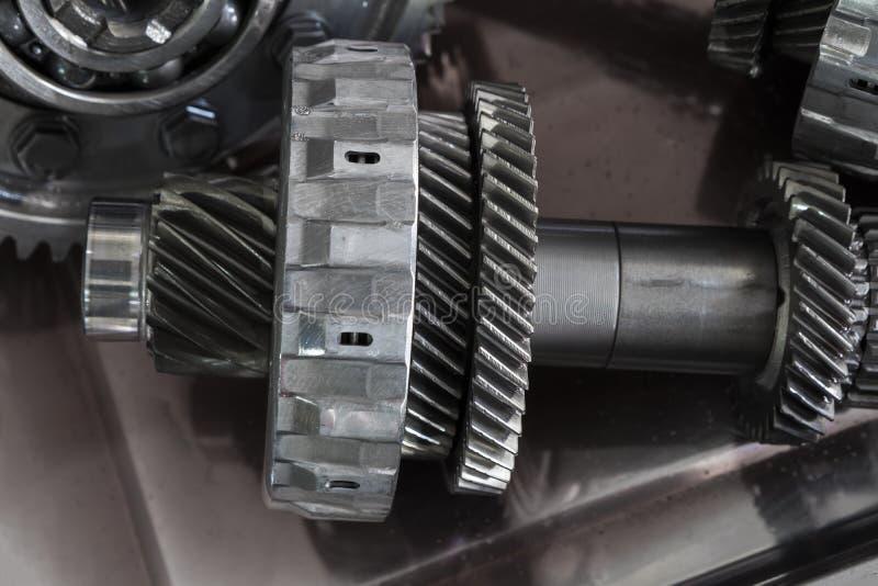 从汽车传输的齿轮零件 免版税库存图片