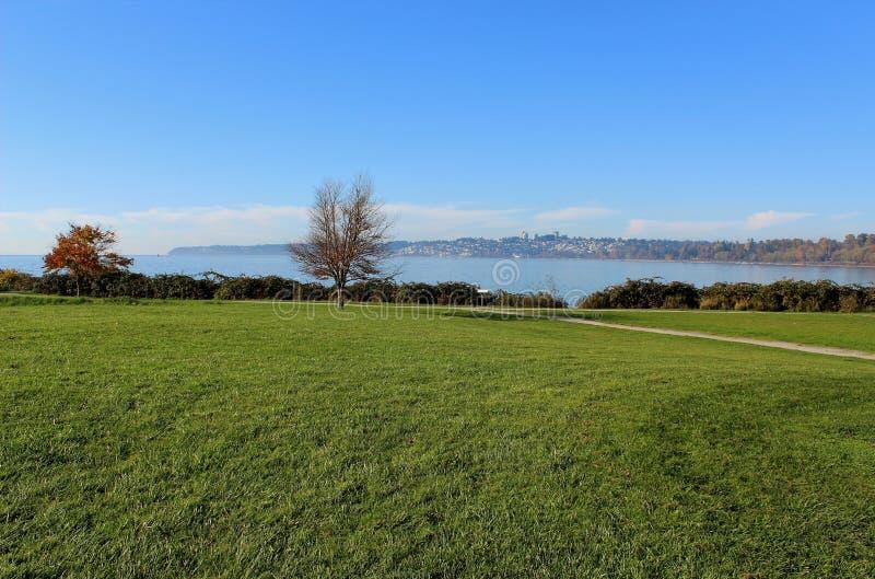 从海岸公园在Blaine,华盛顿的海视图 库存照片