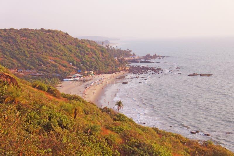 从海滩Vagator,印度,果阿的顶端看法 海湾  免版税库存图片