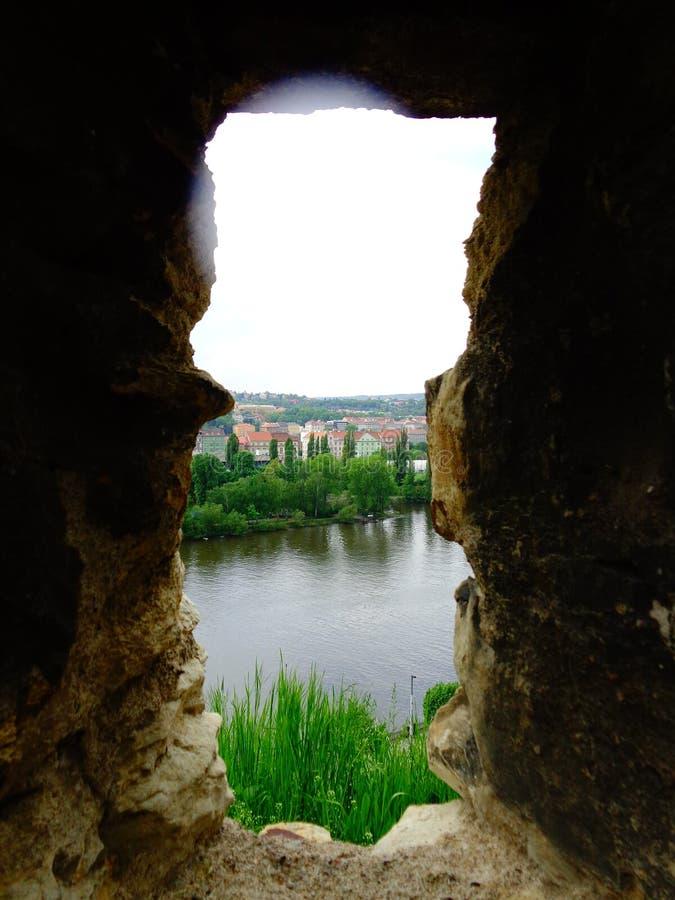 从漏洞vysehrad堡垒布拉格,捷克的看法 免版税库存照片