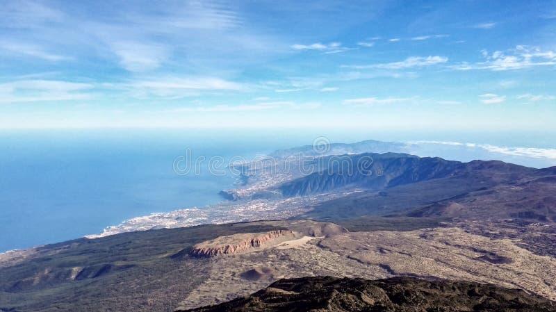 从火山泰德峰-特内里费岛的顶端看法 免版税库存照片
