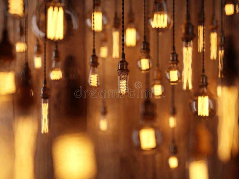 从爱迪生灯的光 垂悬在木墙壁的背景,深度领域照相机作用 皇族释放例证