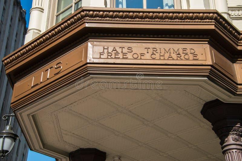 从现在闭合的著名Litts兄弟商店的大门罩在费城 库存图片