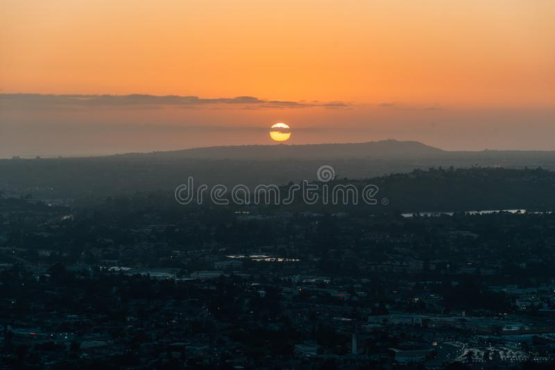 从登上螺旋的日落视图,在拉梅萨,在圣迭戈附近,加利福尼亚 图库摄影