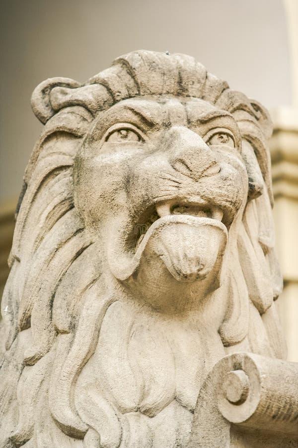 从石头雕刻的特写镜头大狮子头 图库摄影