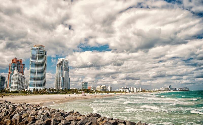 从码头的南海滩视图,迈阿密海滩在佛罗里达多数著名旅游atraction 南Pointe公园鸟瞰图和 免版税库存照片