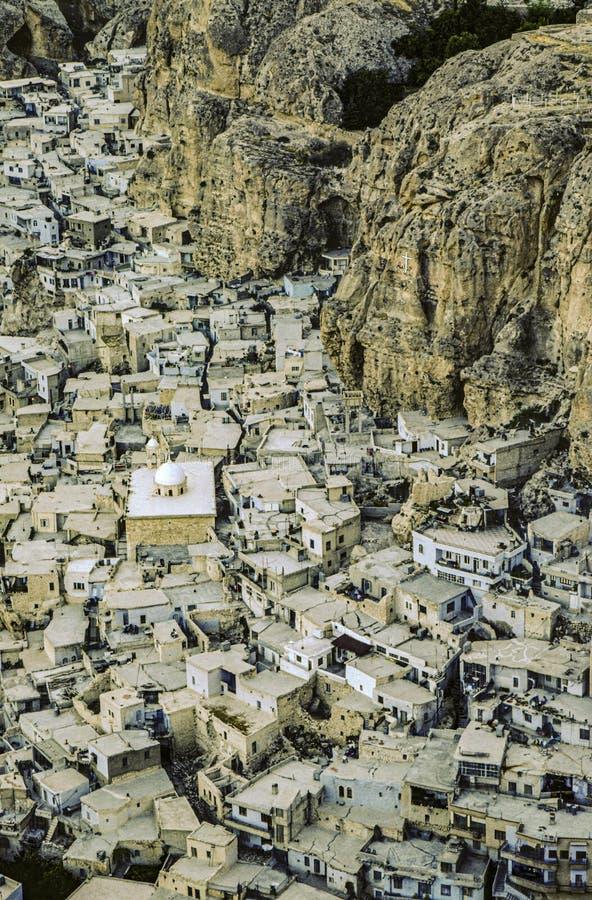 从空中看叙利亚马卢拉的老房子 库存照片