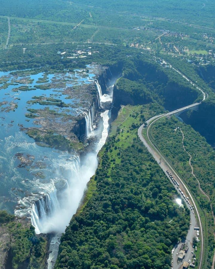从空气的维多利亚瀑布桥梁 库存图片