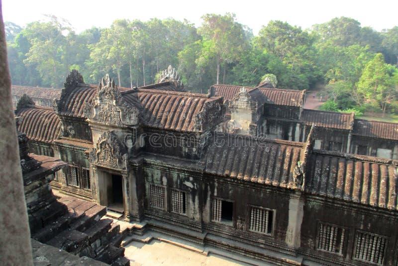 从窗口的柬埔寨吴哥窟视图 免版税库存图片