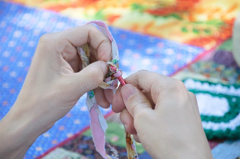 从织品细片的钩针编织  库存照片