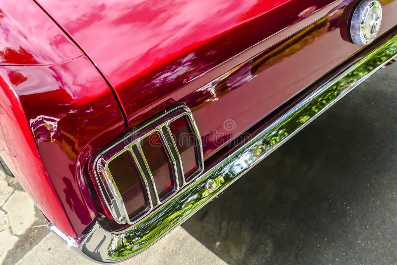 从经典Ford Mustang的细节 图库摄影