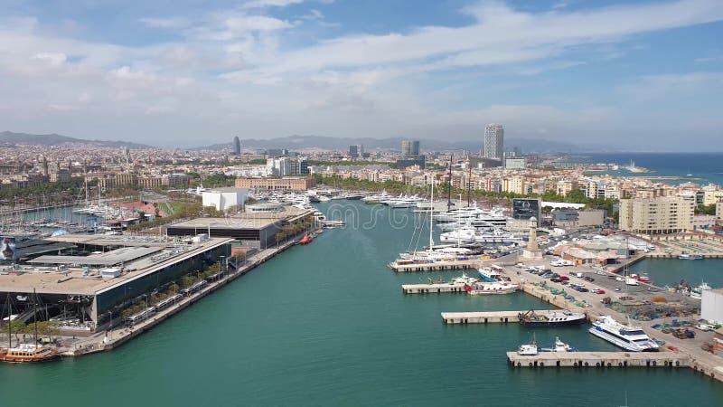 从缆索铁路的美好的巴塞罗那海视图 库存照片