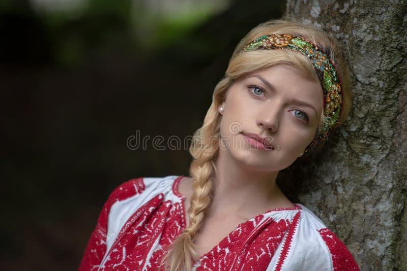 从罗马尼亚的传统服装,Maramures县 免版税库存照片