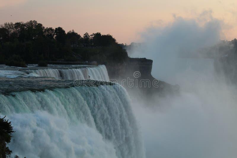 从美国的尼亚加拉大瀑布视图 免版税库存图片