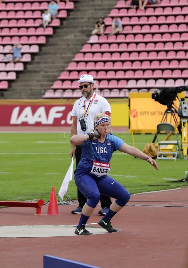 从美国的林赛面包师的铅球最后在国际田联世界U20冠军在坦佩雷,芬兰  库存照片
