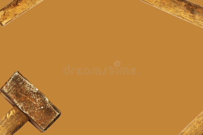从老大锤的布朗背景 免版税库存照片