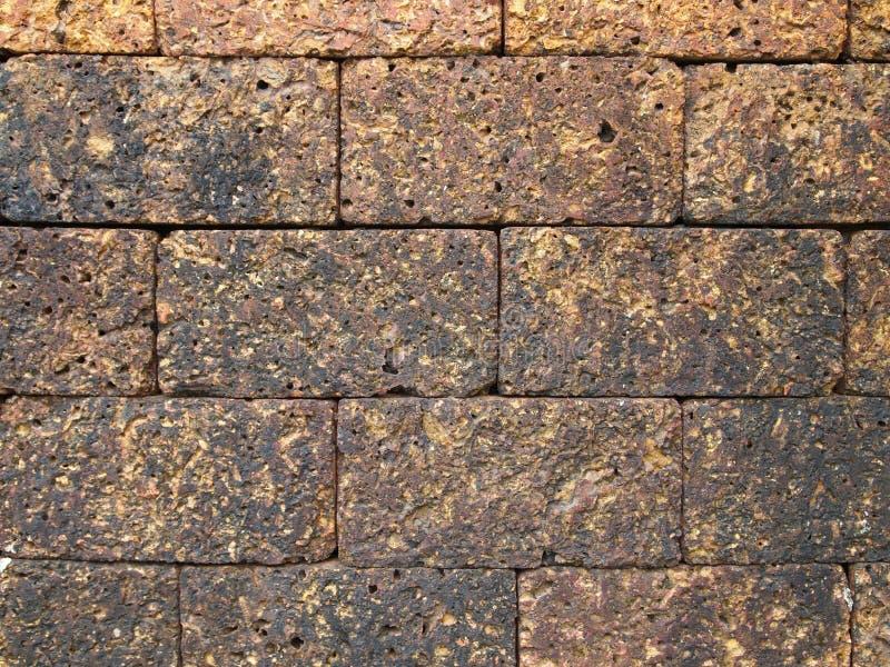 从老石墙壁的背景 免版税库存图片