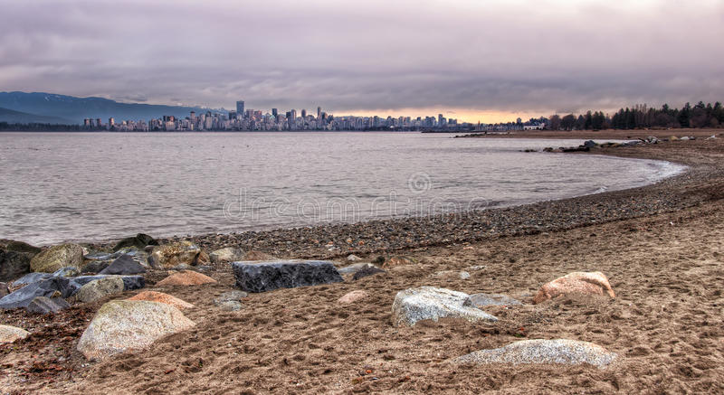 从耶利哥海滩的温哥华地平线 库存图片