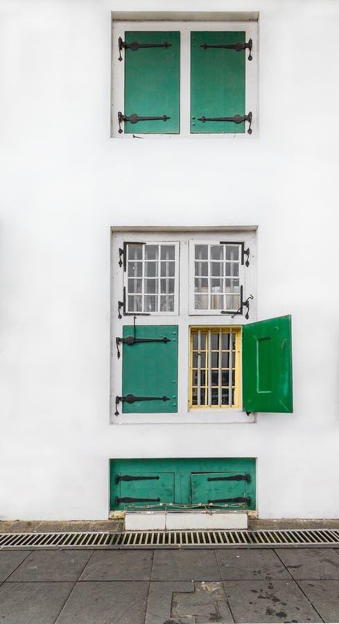 从荷兰殖民主义期间的老牌窗口,'Governeur Kantoor'/州长办公室,耶路撒冷旧城旅游业地区/Kawasan Wisata甲田 免版税库存图片
