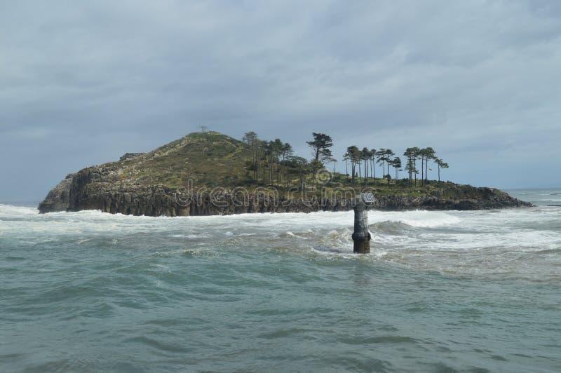 从莱克蒂奥Lonja采取的圣尼古拉斯逃出克隆岛美妙的看法  2018年3月24日 海岛自然风景 库存图片