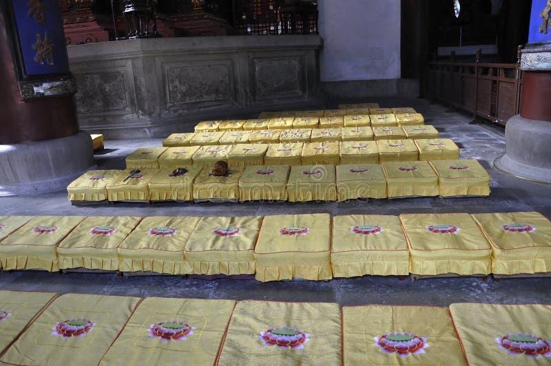 从西湖公园的灵隐寺内部在杭州 免版税图库摄影