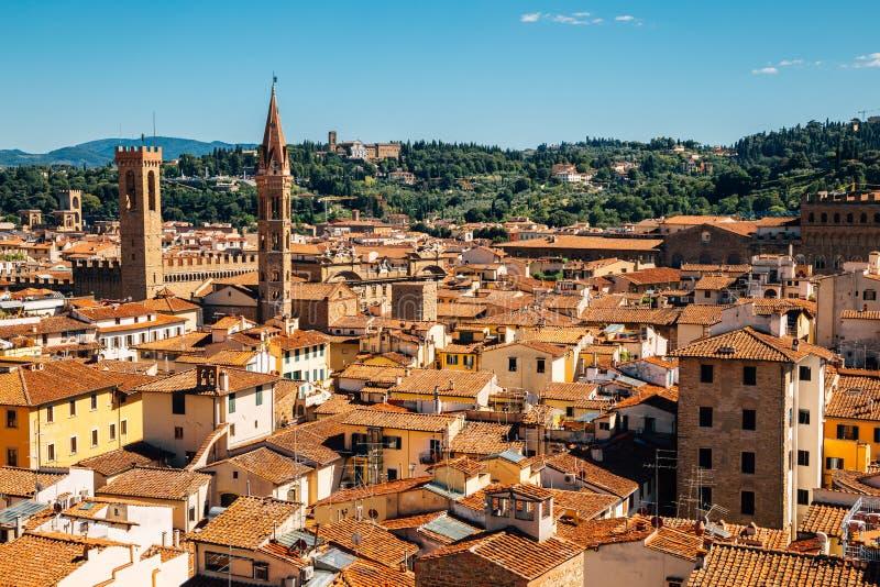 从钟楼乔托的钟楼的佛罗伦萨老镇全景视图在佛罗伦萨,意大利 免版税库存照片