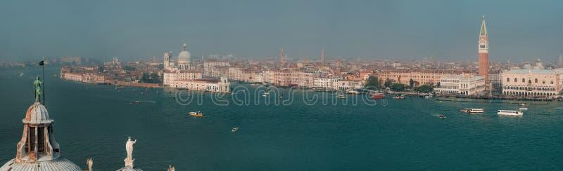 从钟楼圣乔治Maggiore,威尼斯,意大利的全景 免版税库存照片