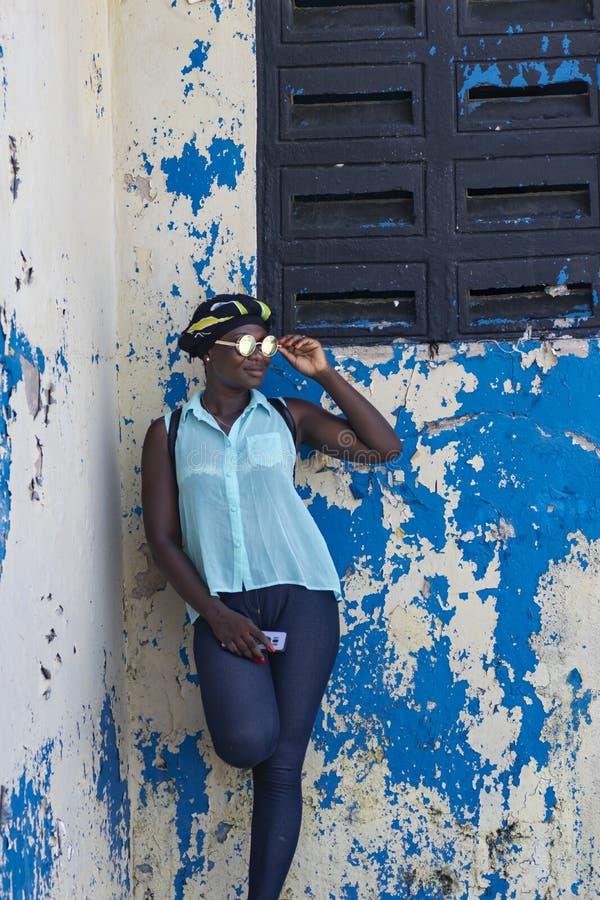 从阿克拉的女性模型访问塔科拉迪加纳 免版税库存图片