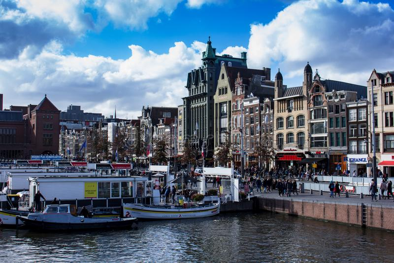 从阿姆斯特丹的中心的看法 库存图片